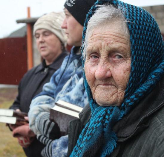 Elderly refugee woman from eastern Ukraine
